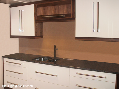 Modern and high gloss kitchens churchtown kitchens ltd for Cream kitchen carcasses